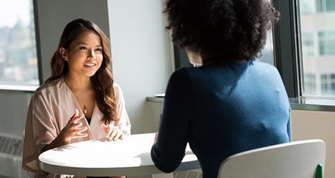 بزرگترین اشتباهات زبان بدن در مصاحبه حسابداری